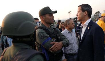 Minuto a minuto: Oposición liderada por Guaidó y Leopoldo López llaman a un golpe de Estado en Venezuela