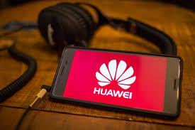 Chinos renuncian en masa a sus iPhones en favor de dispositivos de Huawei, en medio de las tensiones entre la empresa y EE.UU.