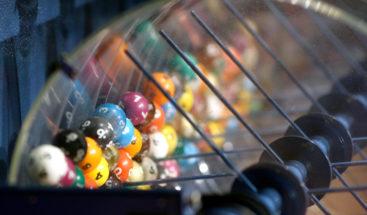 Anuncia en broma que ganó la lotería y de hecho se convierte en millonaria