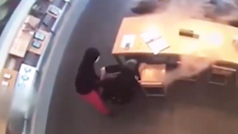 VIDEO: Un ladrón armado intenta cometer un asalto pero se mete con la mujer equivocada